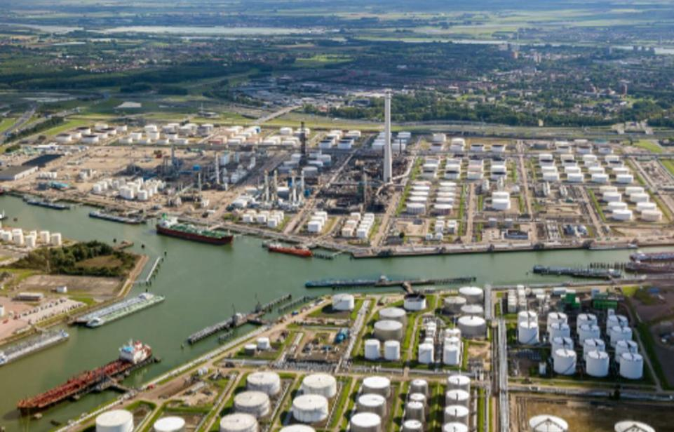 Refinery protection with gas detection